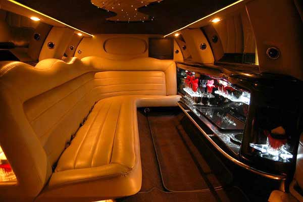 Lincoln stretch limo rental indianapolis