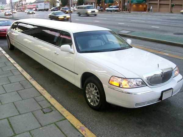 Indianapolis 8 Passenger Limo